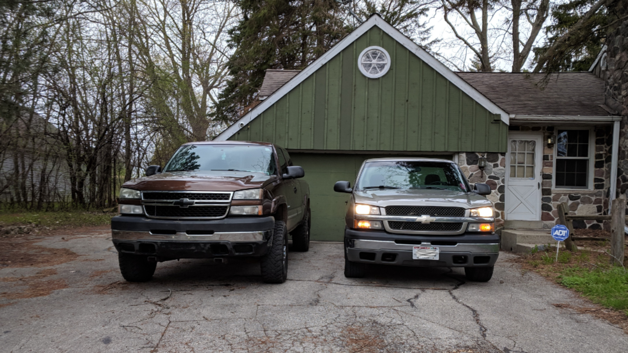 Click image for larger version  Name:trucks.png Views:14 Size:3.59 MB ID:104958